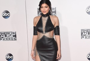 LOS ANGELES, CA - NOVEMBER 22:  TV personality Kylie Jenner attends the 2015 American Music Awards at Microsoft Theater on November 22, 2015 in Los Angeles, California.  (Photo by Jason Merritt/Getty Images)