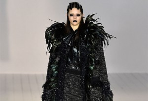 Model Kendall Jenner walks the runway wearing Marc Jacobs Fall 2016 during New York Fashion Week at Park Avenue Armory on February 18, 2016 in New York City.  (Photo by Slaven Vlasic/Getty Images)