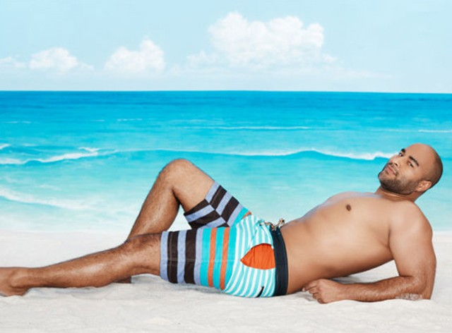 This Is New Ashley Graham Coached These Male Models To Do Typical Female Model Beach Poses