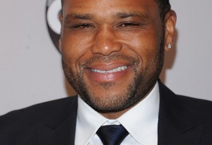 NEW YORK, NY - MAY 17:  Anthony Anderson attends the 2016 ABC Upfront at David Geffen Hall on May 17, 2016 in New York City.  (Photo by Brad Barket/Getty Images)